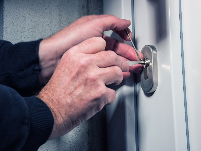Locksmith Service - About Cutting Edge Locksmith